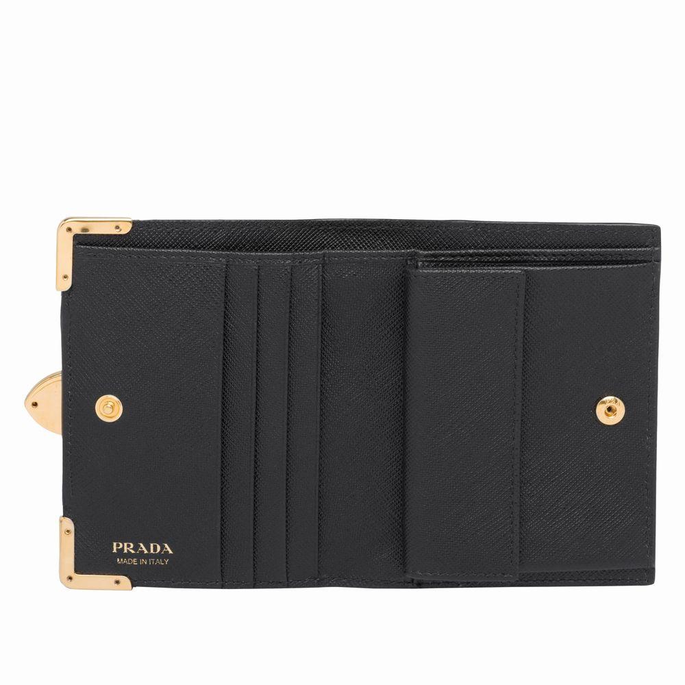 プラダカイエレザー財布